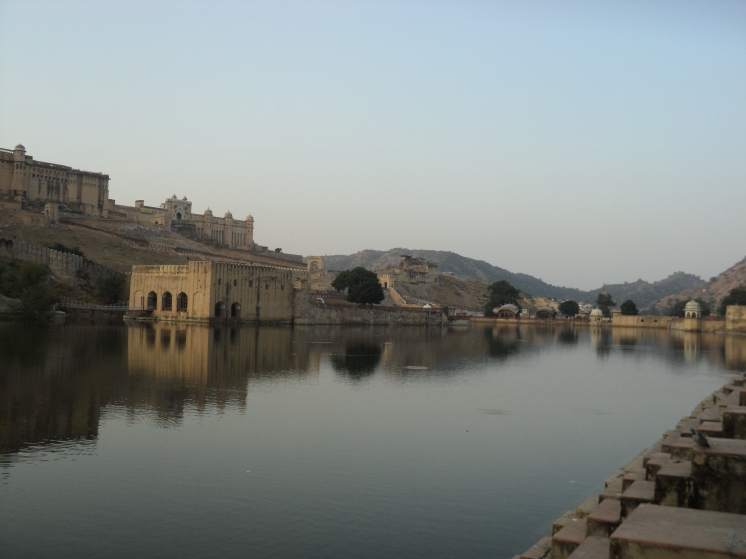 The Maota Lake securing the access to Amer Fort