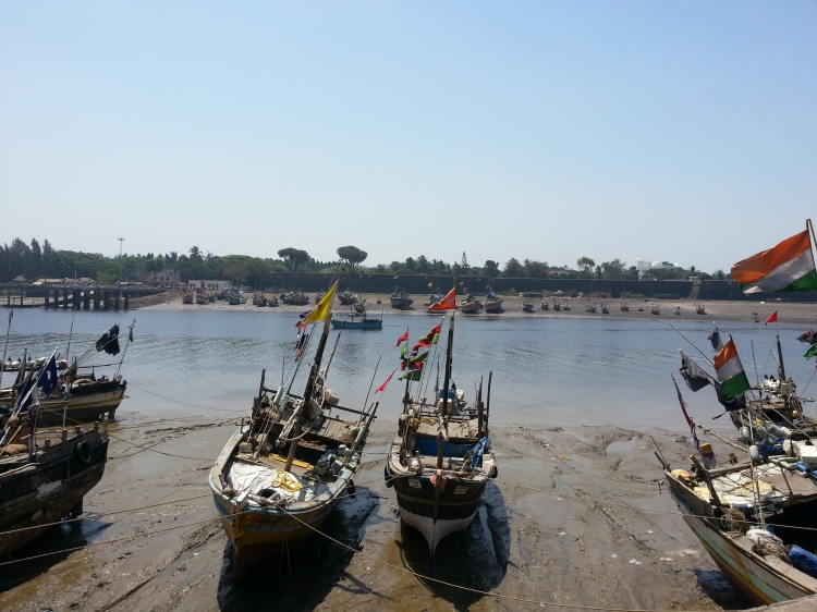 The port of Daman awaits you