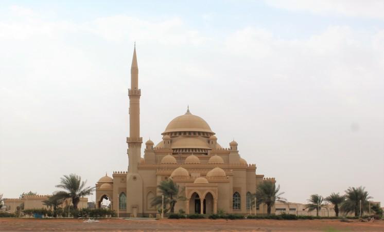 Mosque on the way to Al Hajjar