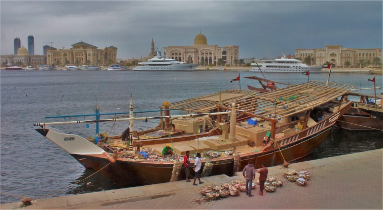 Fishermen get their fresh catch straight from the sea to the souq!